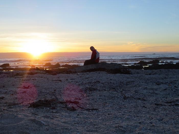 Elise i solnedgången efter en lång dag